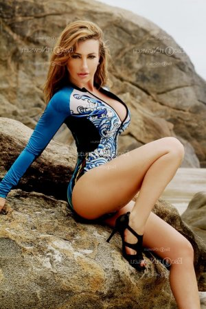Clarissa escort girl in Merced