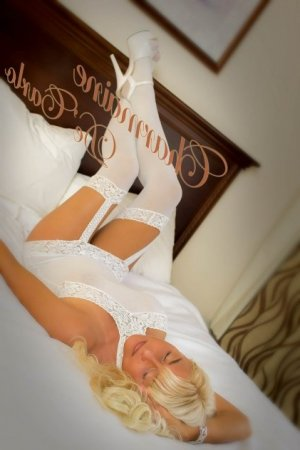 Andreze adult dating in Menasha WI & live escort